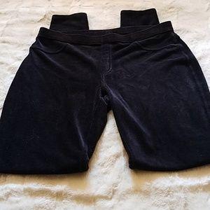HUE..fine wale corduroy black leggings